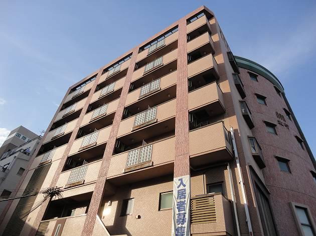 神戸市兵庫区西出町(JR東海道本線(近畿)神戸)の分譲賃貸マンション外観写真